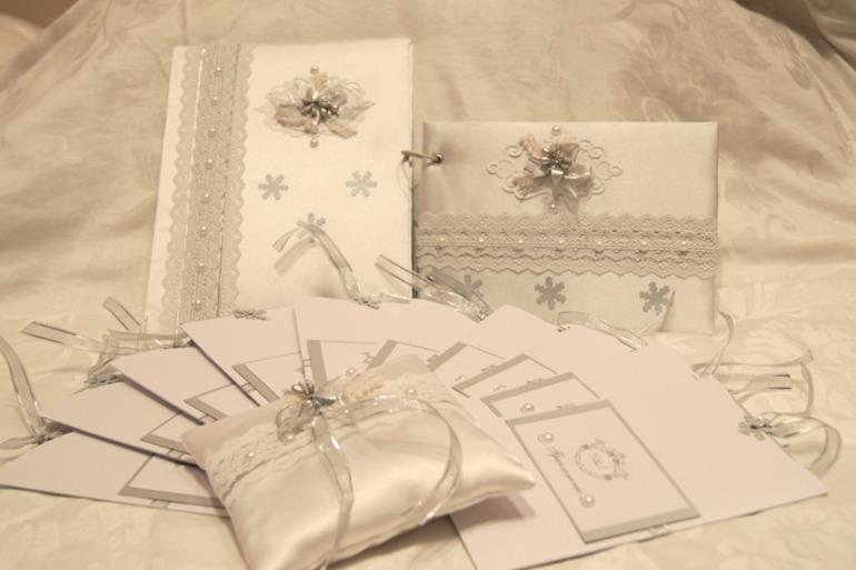Набор  свадебных  аксессуаров  ,  для  зимней  свадьбы!