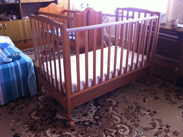 Продаю детскую кроватку + ортопедический матрас