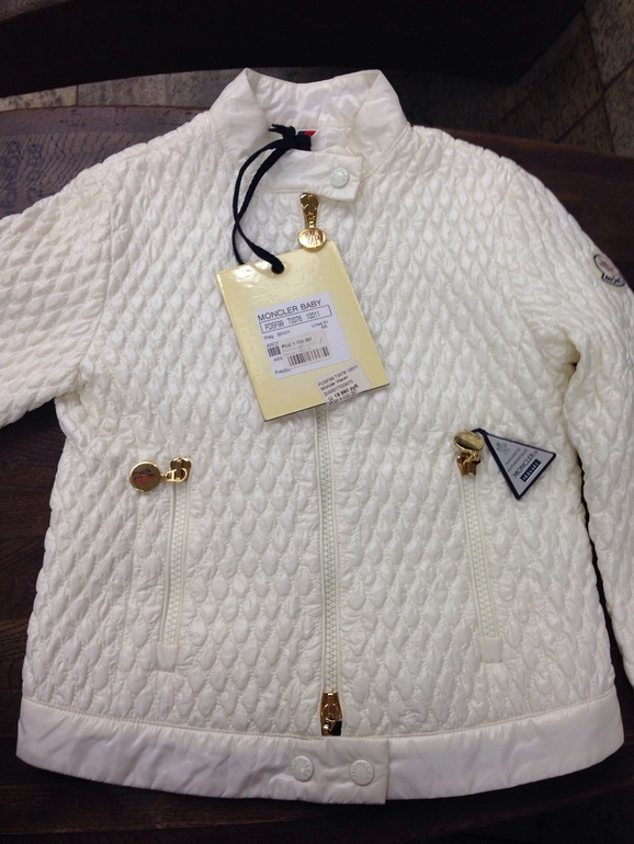 Новая легкая куртка moncler