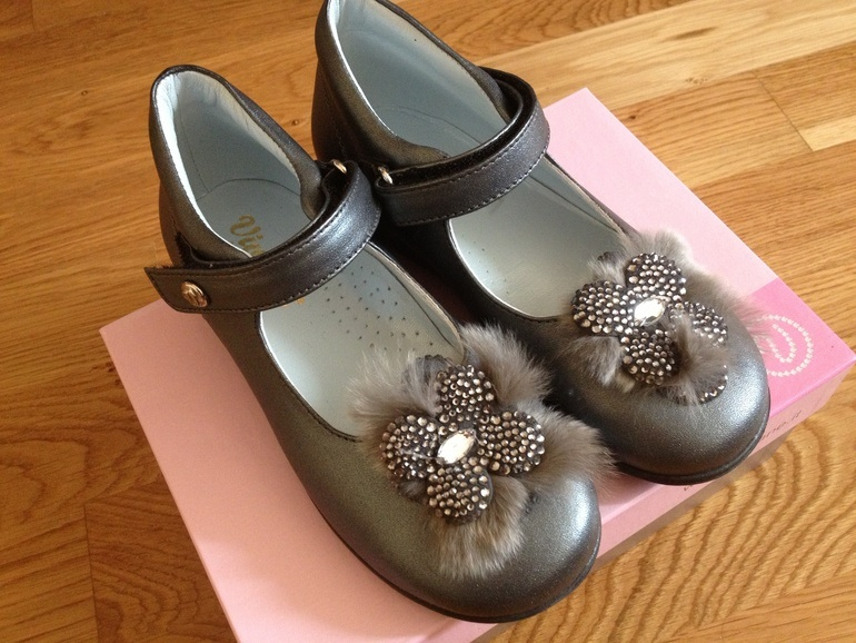 Шикарные туфельки, нам огромные(((