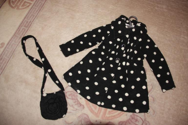 Красивое пальто б.у. для девочки размер 3 года