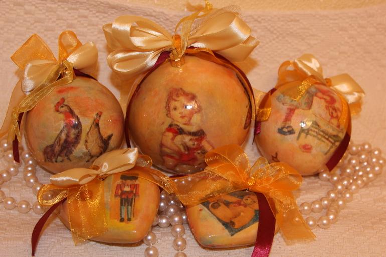 Новогодние шары в подарок