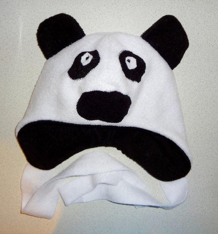 Шапка-панда.