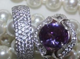 Кольцо новое с аметистом размер 19 серебро покрытое родним аметист сиреневый фиолетовый и белые стразы сваровски камни Swarovski украшения аксессуары бижутерия
