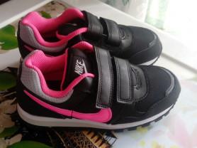 Новые кроссовки Nike 27.5 р-р.
