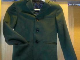 Зеленый пиджак 122,128 размер