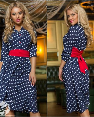 Платье синее в белый горошек с красным поясом