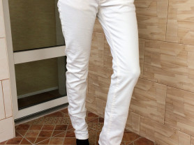 белые джинсы Terranova