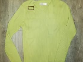 Отдам кофточку р. 40-42, цвет зелёный, мягкая в от