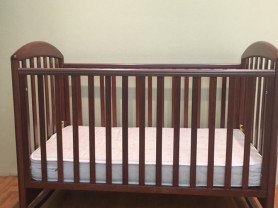 б/у детская кроватка Papaloni