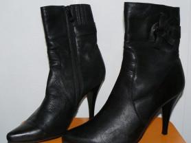 Срочно ботинки на каблучке р.37