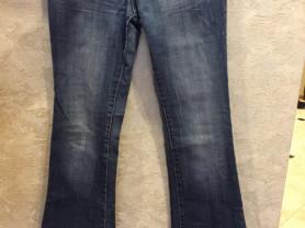 Б/у джинсы-клёш в отличном состоянии