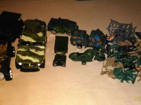 Военные машины и солдатики