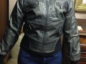 Новая кожаная куртка размер M