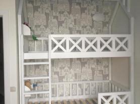 Двухэтажная кровать-домик из бука