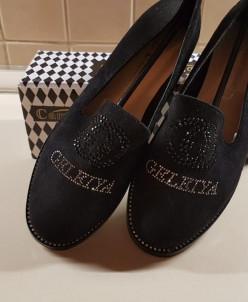Туфли черные  стразы