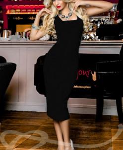 Лаконичное облегающее платье