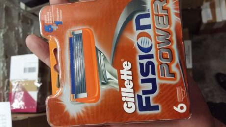 Gillette фьюжен кассеты 8 шт