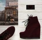 Замшевые ботиночки на платформе.