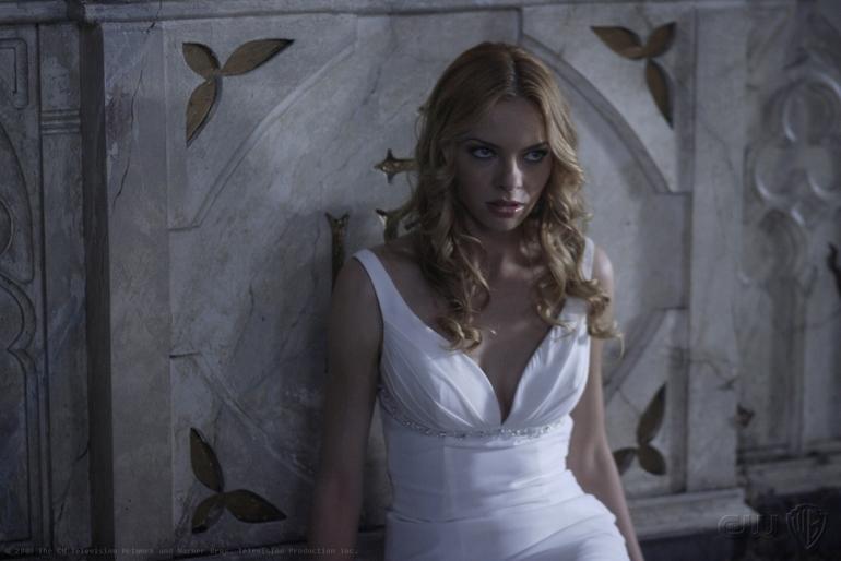Куплю б/у свадебное (или вечернее) белое платье, похожее на фото