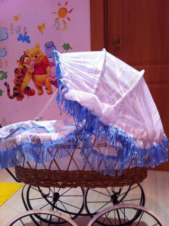 Продам коляску для кукол 700 р