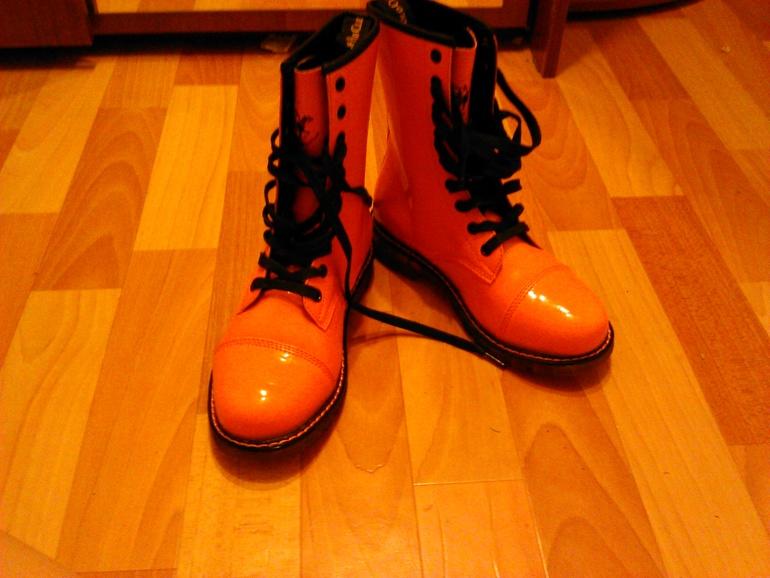 Мега  распродажа  новой  обуви  37,38.