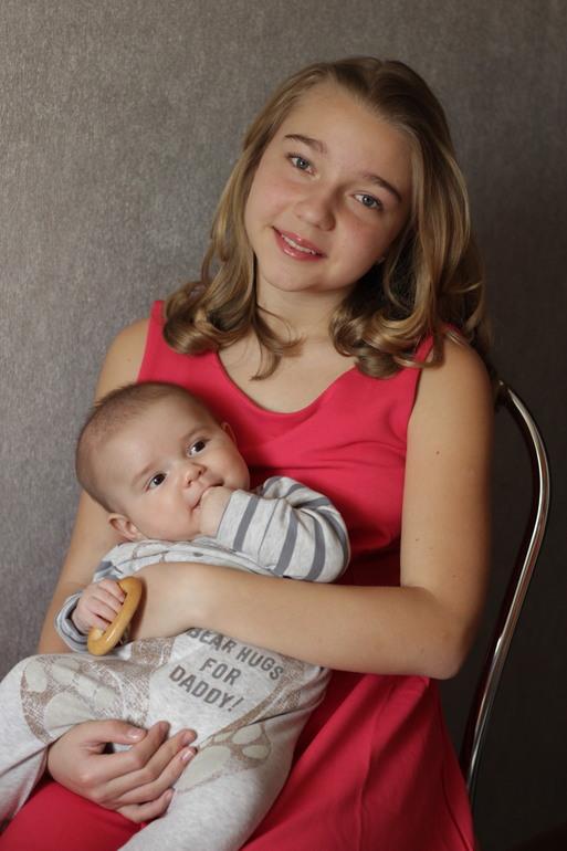 Мои дети. Егорке 3,5 месяца, Марине 13,5 лет.