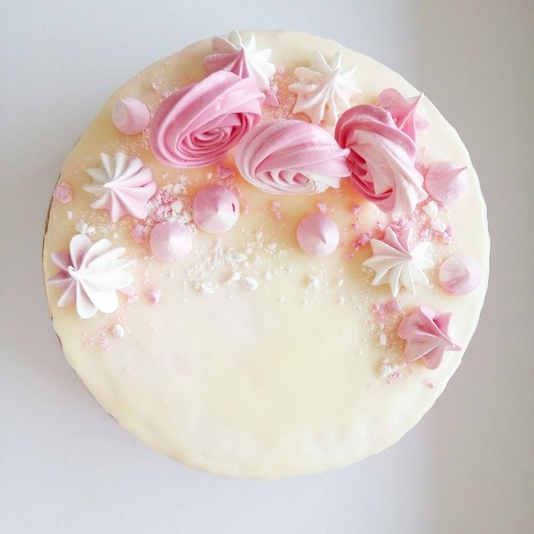 Украшения для торта из безе