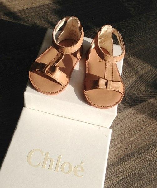 Босоножки Chloe новые, размер 19 (12 см.),цена 2000 руб.