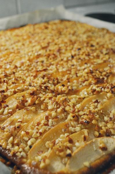 Яблочный пирог с миндальной глазурью (Omena-toscapiirakka)