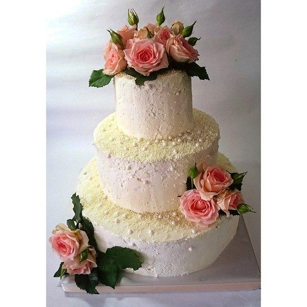Торт свадебный с розами из мастики фото