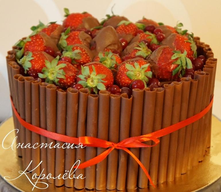 Торт с трубочками из шоколада 26