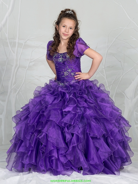 Выкупаю  нарядные  платья  для  наших  принцес,  присоединяйтесь.