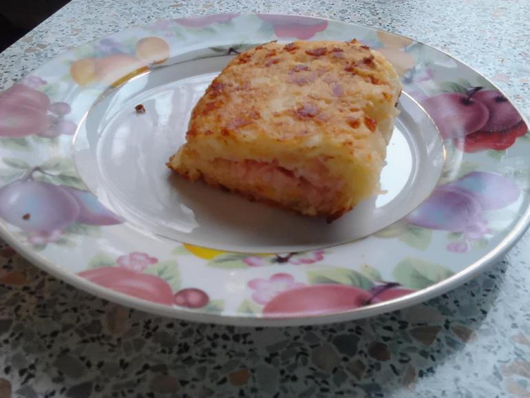 Лепешка на кефире с ветчиной и сыром с фото