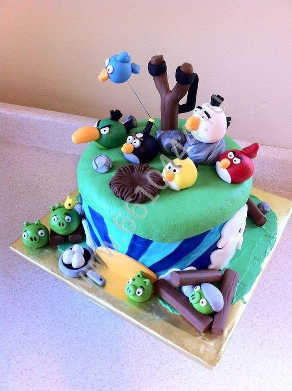 Вот так тортик , жалко есть )))))