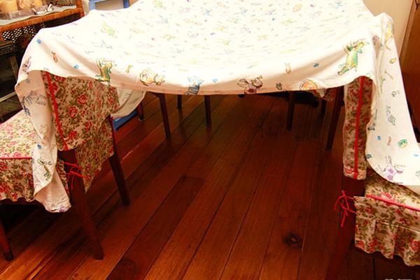 Как сделать шалаш дома из одеяла и подушки и стульев
