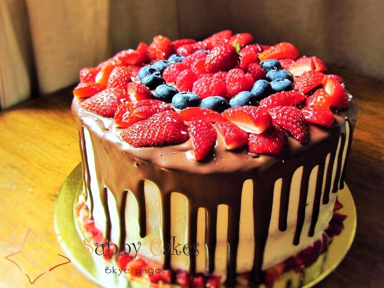 Рецепт торт с шоколадными подтеками и фруктами