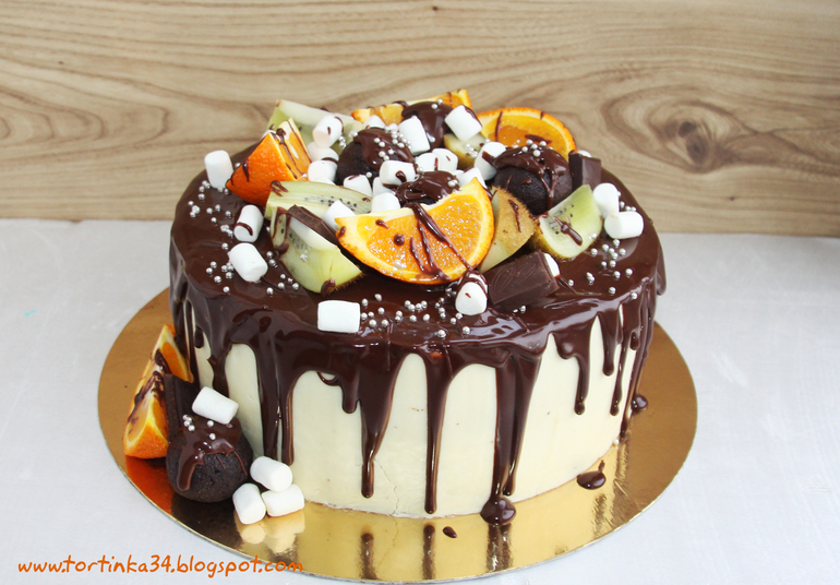 Красиво залить торт шоколадом