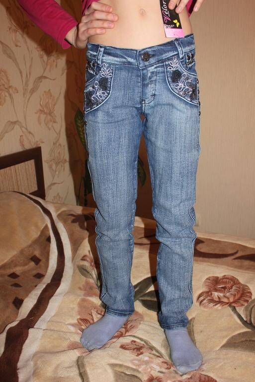 Много джинсов для девочек от 110 до 152... почта...