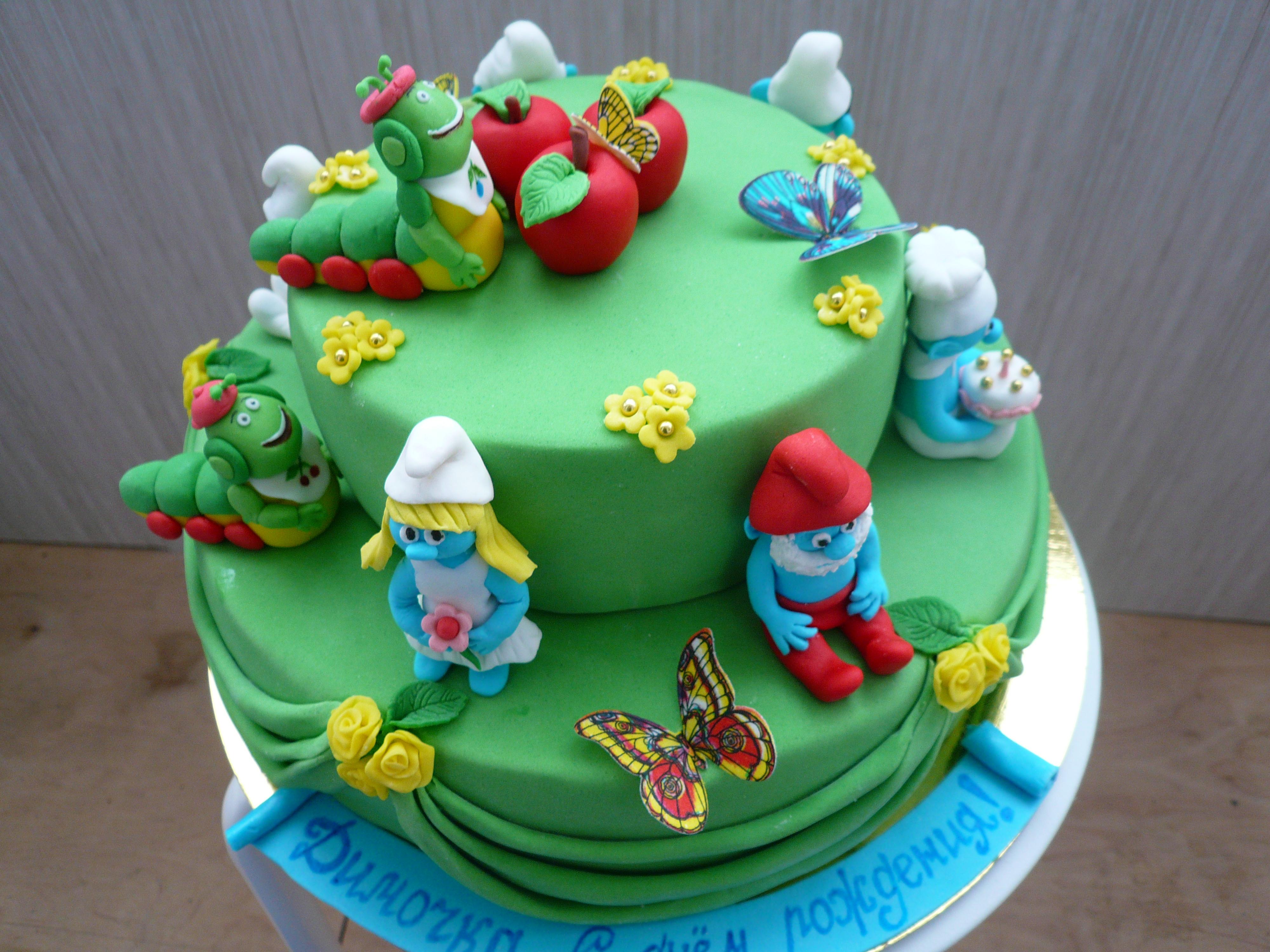 Торт  со  Смурфами  на  годовасие.