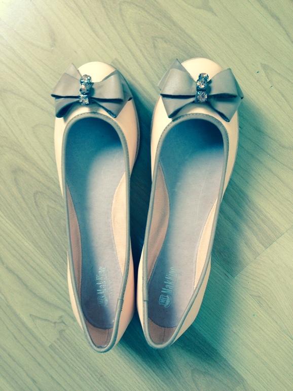 Продам кожаные  балетки 1700 руб