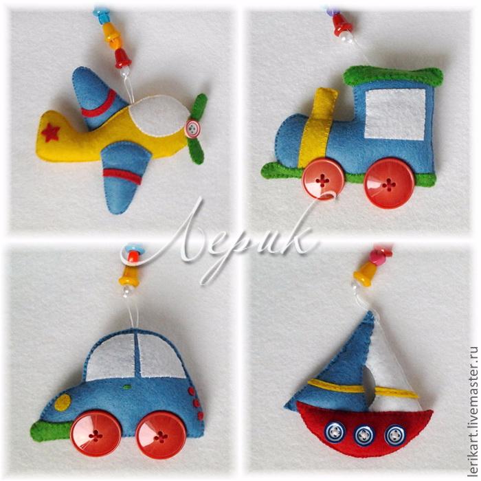Мобиль для мальчика из фетра