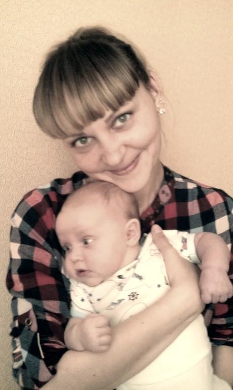 Практически  первое  фото  с  мамой)