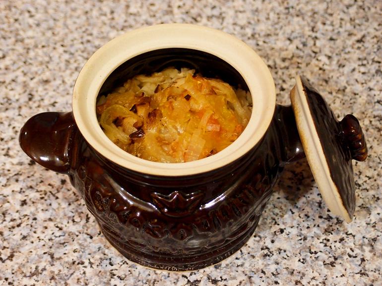 рис в горшочках в духовке с мясом
