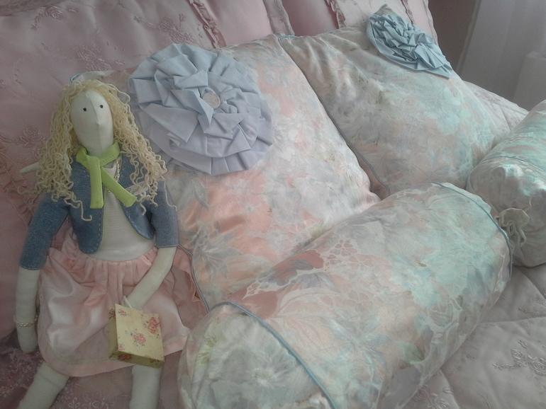 Покрывала на детские кровати, подушки, чехлы на стулья