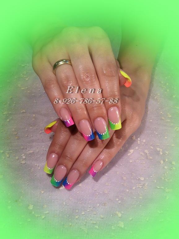 Нарощенные ногти радуги
