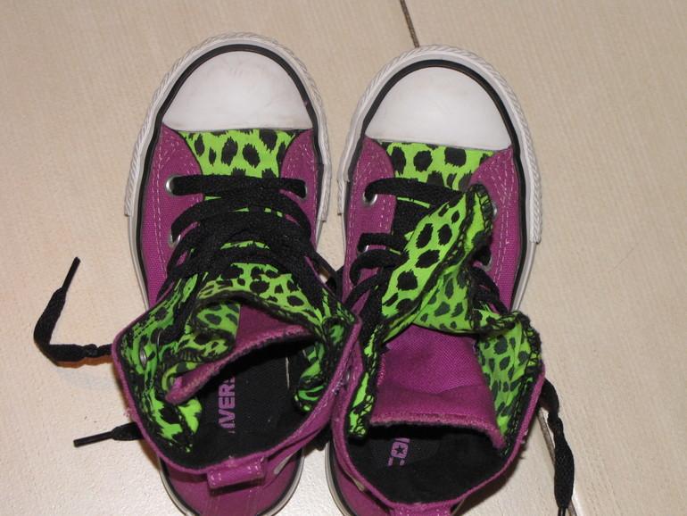 Розовые текстильные кеды Converse