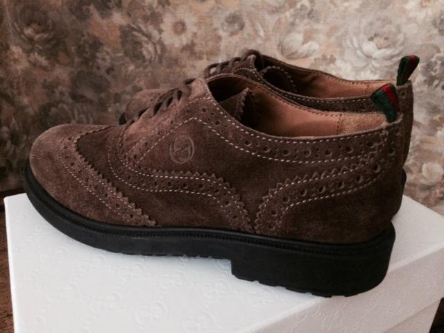Обувь, шапки, аксессуары - Gucci , Dolce & Gabbana , Fendi - под заказ.