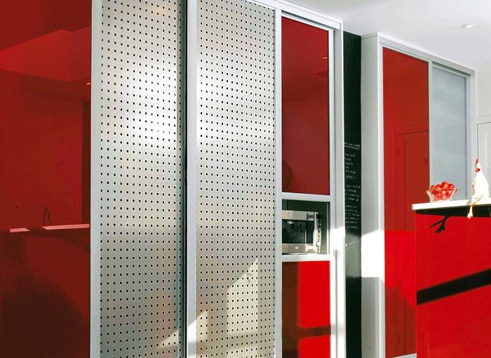 Шкафы купе с декоративными панелями на заказ.