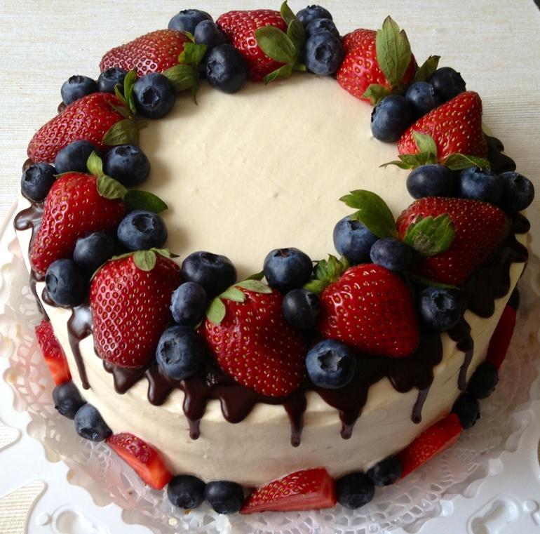 Торт из ягод и фруктов своими руками